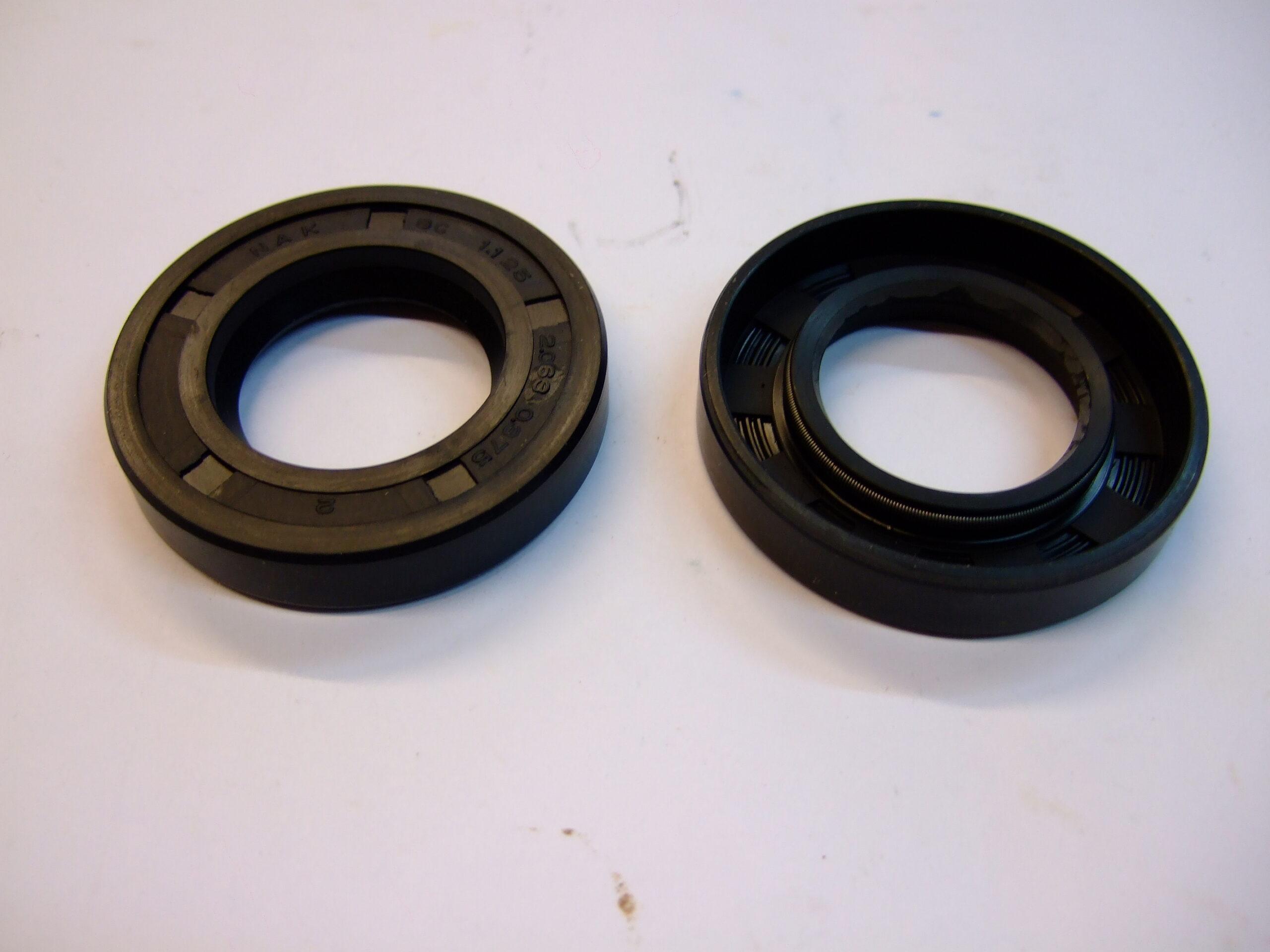 Rear half-shaft oil seal (each)